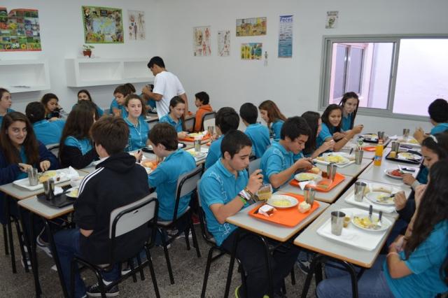La escuela secundaria de la unl tiene su propio comedor for Comedor de escuela