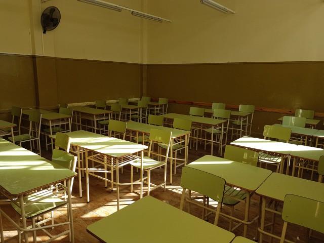 Alumnos de la eis construyeron mobiliario para las aulas for Mobiliario para estudiantes
